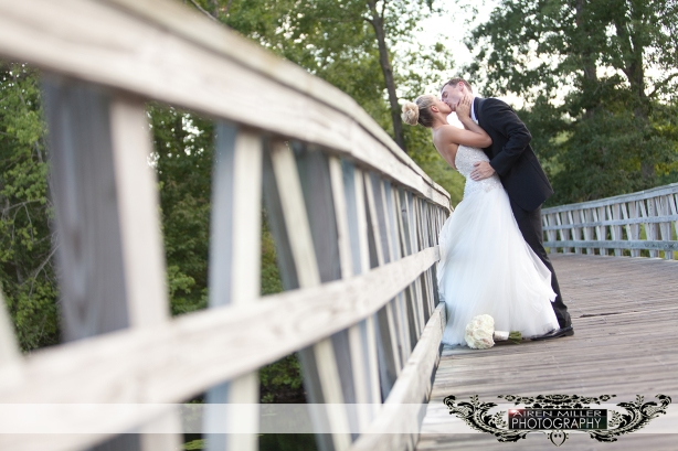 LAKE_OF_ISLES_WEDDING_0028