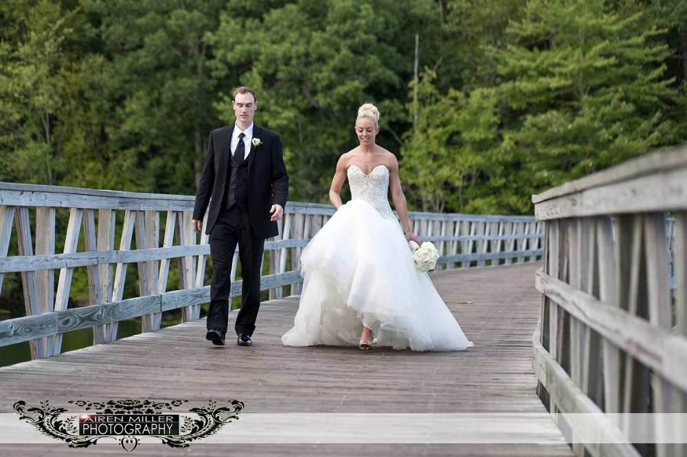 LAKE_OF_ISLES_WEDDING_0030