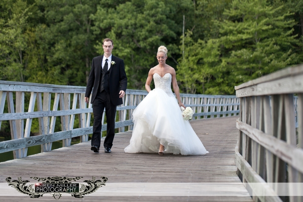 LAKE_OF_ISLES_WEDDING_0030